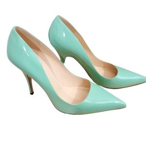 Kate Spade Pointed toed pumps. Size 10
